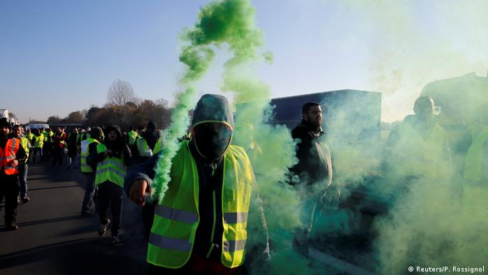 Protesters in yellow vests in France