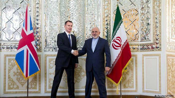 Iran foreign minister Javad Zarif meets with British foreign secretary Jeremy Hunt (Reuters/FARS)