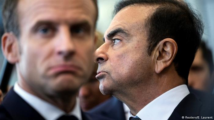 French President Emmanuel Macron with Carlos Ghosn at the Renault factory in Maubeuge, France, on November 8, 2018 (Reuters/E. Laurent)
