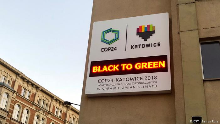 A screen in Katowice, Poland, says Black to Green to promote COP24 (DW/I. Banos Ruiz)