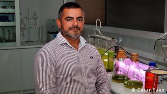 DW Reportage über Plastikverbrauch in Chile | César Sáez, Biokraftstoff-Experte (César Sáez)