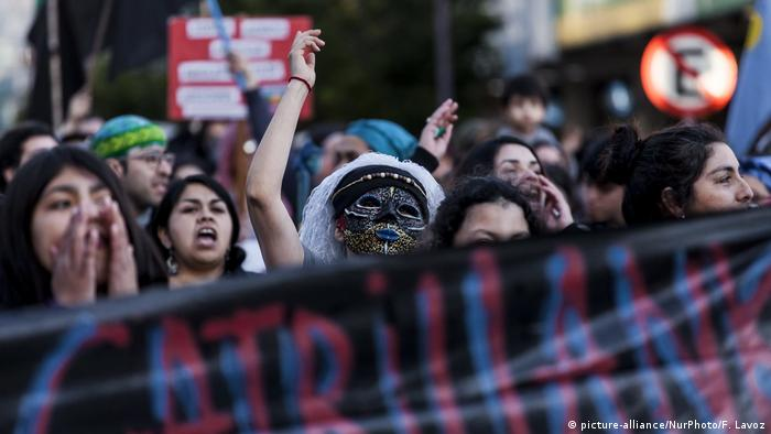 Chile Proteste der Mapuche nach Polizeigewalt in Osorno (picture-alliance/NurPhoto/F. Lavoz)