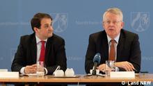 Nathanael Liminski, Chef der Staatskanzlei und für Medien zuständige Staatssekretär des Landes NRW (links), und DW-Intendant Peter Limbourg (rechts) am 20.11.2018 in der Staatskanzlei der Landesregierung NRW in Düsseldorf, anlässlich der Bekanntgabe der Partnerschaft beim Global Media Forum.