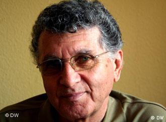 کیوس گوران، شاعر مازنیسرای ایران