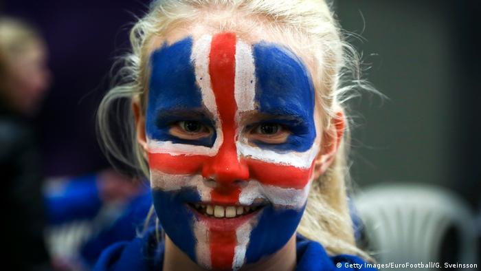 Island junge Frau Symbolbild