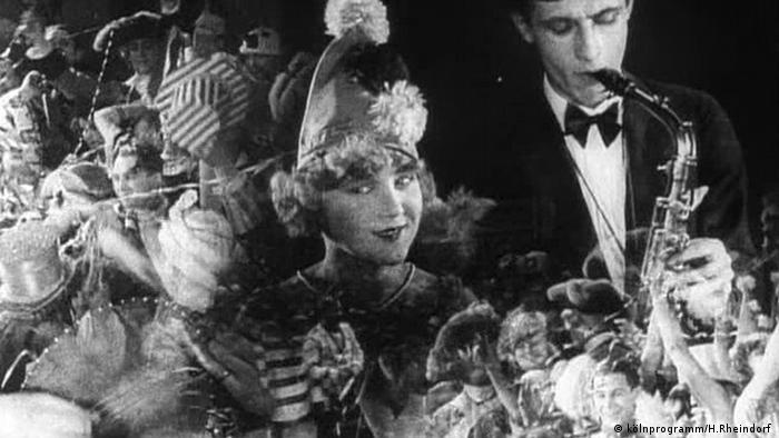 Karnevalsparty um 1920 (kölnprogramm/H.Rheindorf )