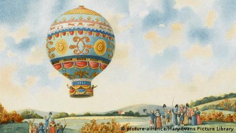Montgolfiere Erster Flug im 1783 (picture-alliance/Mary Evans Picture Library)