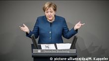 21.11.2018, Berlin: Bundeskanzlerin Angela Merkel (CDU) spricht im Bundestag. Auf der Tagesordnung im Plenum des Bundestags setzt bei den Haushaltsberatungen die Generalaussprache über den Etat der Kanzlerin. Foto: Michael Kappeler/dpa +++ dpa-Bildfunk +++ | Verwendung weltweit