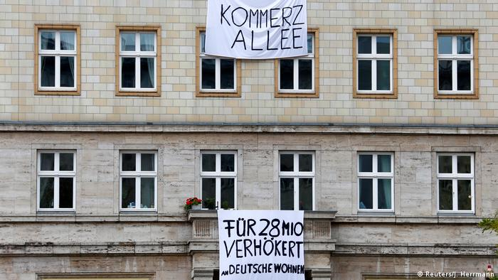 Berlin: Proteste gegen Mieterhöhung (Reuters/J. Herrmann)