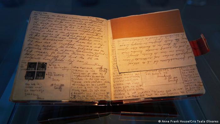 Páginas originales del diario de Anne Frank.