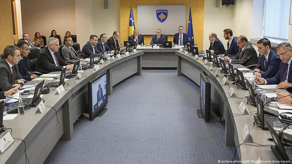 A do të pezullohen taksat ndaj Serbisë