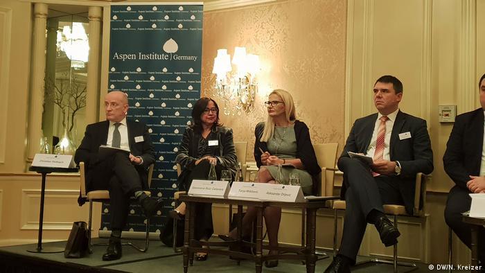 Deutschland - Podiumsdiskussion des Aspen Instituts in Berlin (DW/N. Kreizer)