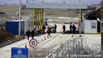 Kosovo erhöht Einfuhrzölle - Grenze zu Serbien (Getty Images/C. Koall)