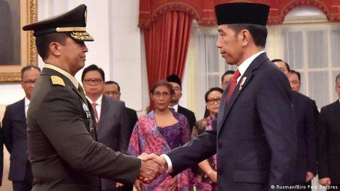 Ernennung von Andika Perkasa als Chef Generalstabes der indonesischen Landstreitkräfte durch Präsident Joko Widodo in Jakarta (Rusman/Biro Pers Setpres)