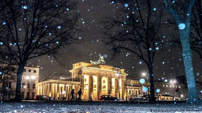 Schnee in Berlin (picture-alliance/dpa/O. Messinger)