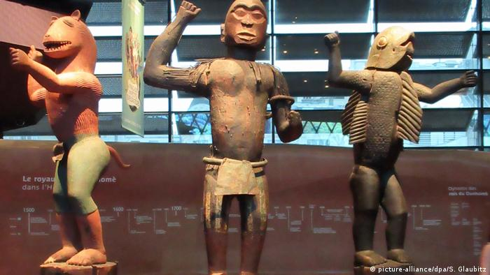 Three totems from modern-day Benin, in the Quai Branly museum (picture-alliance/dpa/S. Glaubitz)