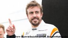 MELBOURNE, AUSTRALIA - MARCH 23 : Fernando Alonso of Spain driving for McLaren Honda, makes a hand gesture during driver portrait session before the 2017 Formula 1 Rolex Australian Grand Prix. Albert Park circuit in Melbourne, Australia on March 23, 2017. Asanka Brendon Ratnayake / Anadolu Agency |