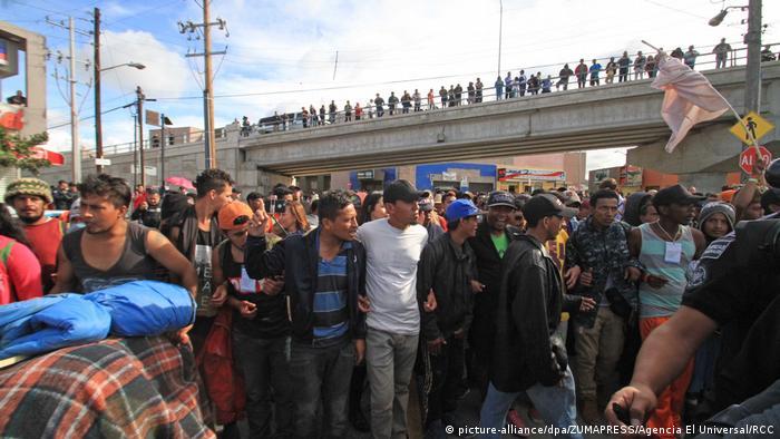 США сообщили о нелегальном въезде через южную границу 76 тысяч мигрантов |  Новости из Германии о событиях в мире | DW | 06.03.2019