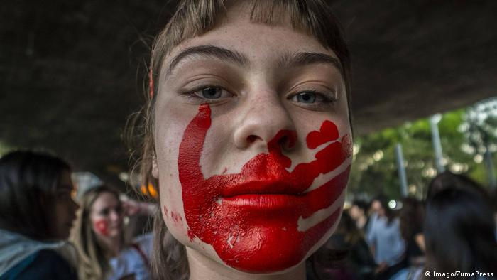 Símbolo de violencia contra la mujer.