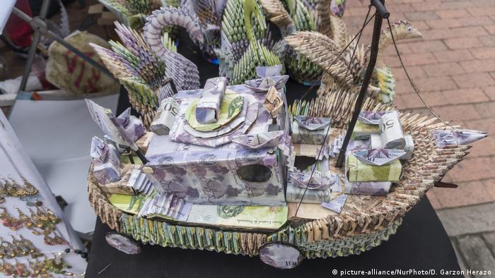 Hasta barcos con lujo de detalles se pueden encontrar en las calles cucuteñas.