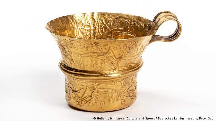 Goldtasse (Hellenic Ministry of Culture and Sports / Badisches Landesmuseum, Foto: Gaul)