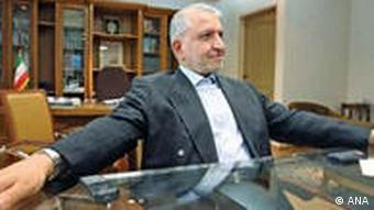عبدالله جاسبی از سال ۶۱ تا کنون رئیس دانشگاه آزاد است