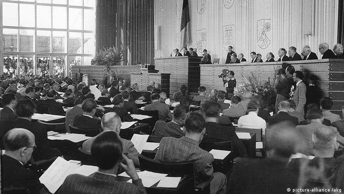اولین مجلس آلمان فدرال، بن، ۷ سپتامبر ۱۹۴۹