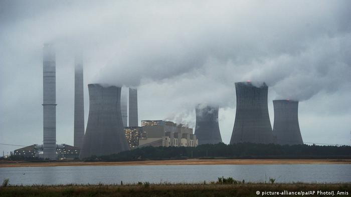 Usina de carvão em operação nos Estados Unidos
