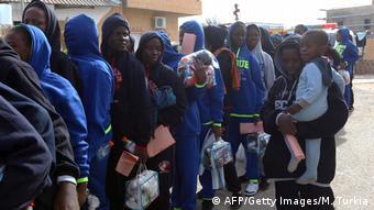 L'OIM rapatrie des migrants échoués en Libye dans leurs pays d'origine, dont des Maliens