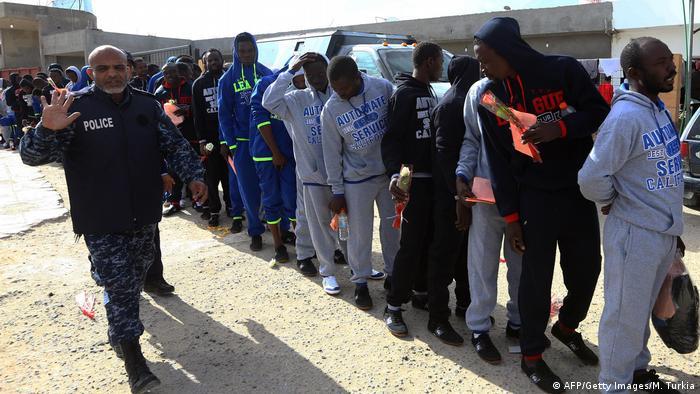 IOM bringt Flüchtlinge aus Libyen in Heimatländer zurück