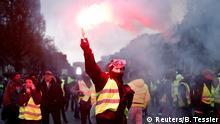 Gelbwesten Champs-Elysee Proteste gegen Erhöhung der Benzinpreise