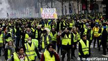 Frankreich Ausschreitungen auf der Champs Elysees in Paris Paris France November 24 2018 The Ye