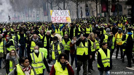 """DW: Η """"κίτρινη οργή"""" των Γάλλων"""
