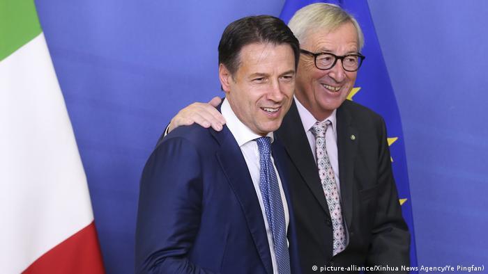Italian Prime Minister Giuseppe Conte with European Commission President Jean-Claude Juncker
