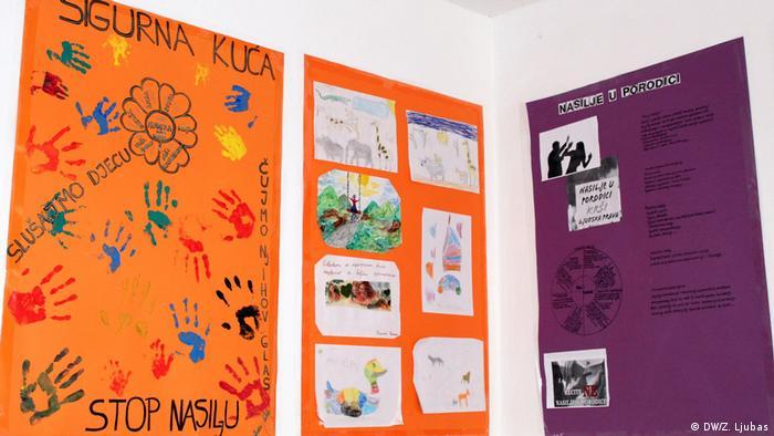 Plakati Stop nasilju u sigurnoj kući u Sarajevu