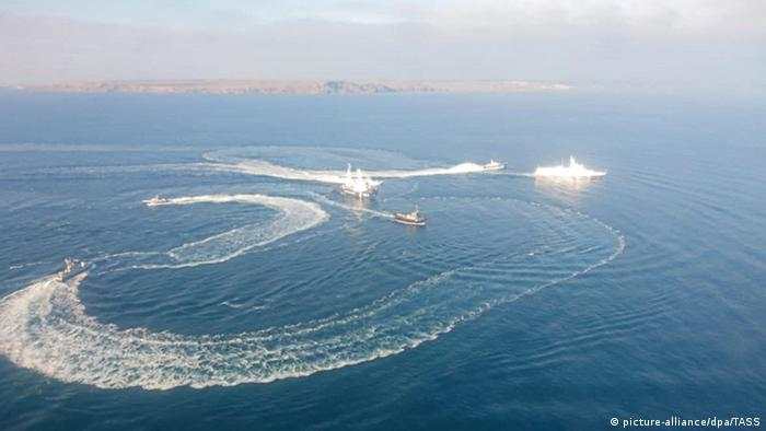 Russia and Ukraine ships in a confrontation in the Kerch strait