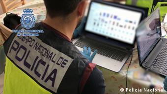 Οι αστυνομικές αρχές εντοπίζουν ολοένα συχνότερα ανήλικους δράστες διακίνησης παιδικού πορνογραφικού υλικού