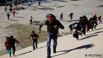 Mexiko Migranten an Grenze zu USA in Tijuana (REUTERS)