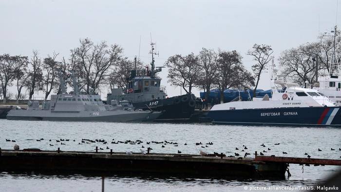 Russland Konflikt Krim Ukraine   Ukrainische Schiffe im Hafen von Kerch
