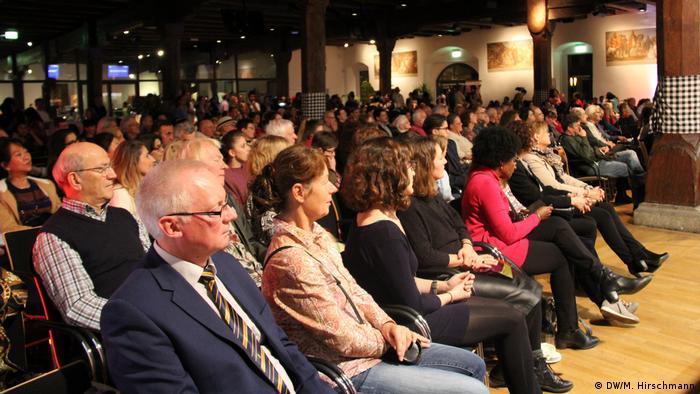 Indonesischer Abend in Konstanz | Gäste (DW/M. Hirschmann)