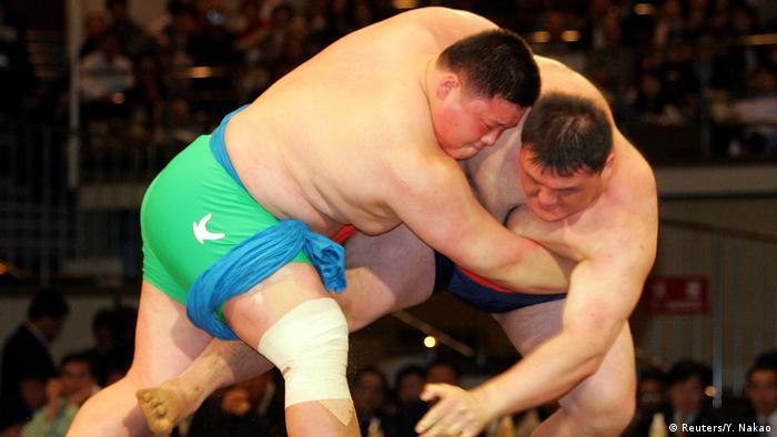 Japan südkoreanische Wrestler Schaukampf in Tokio (Reuters/Y. Nakao)