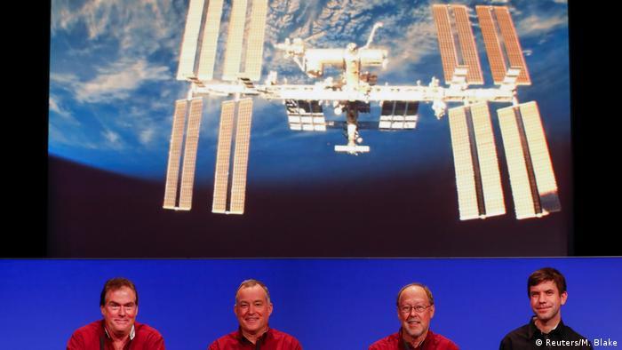 مرگ آپورچونیتی پایان پروژههای تحقیقاتی درباره سیاره مریخ نیست. دو ربات کنجکاوی (Curiosity) و اینسایت (InSight) که به ترتیب در سال ۲۰۱۱ و ۲۰۱۸ بر سطح مریخ فرود آمدند، همچنان به پژوهشهای خود ادامه خواهند داد. علاوه بر آن، ناسا برای سال ۲۰۲۰ ماموریت دیگری را نیز برنامهریزی کرده است. به عبارت دیگر: وداع غمانگیز با آپورچونیتی، اسباب شادی نوینی را برای کارکنان ناسا فراهم آورده است.