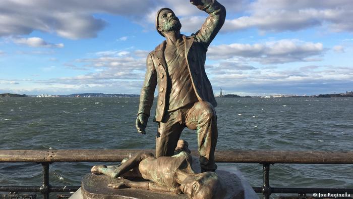 Ein Denkmal für Aliens in New York