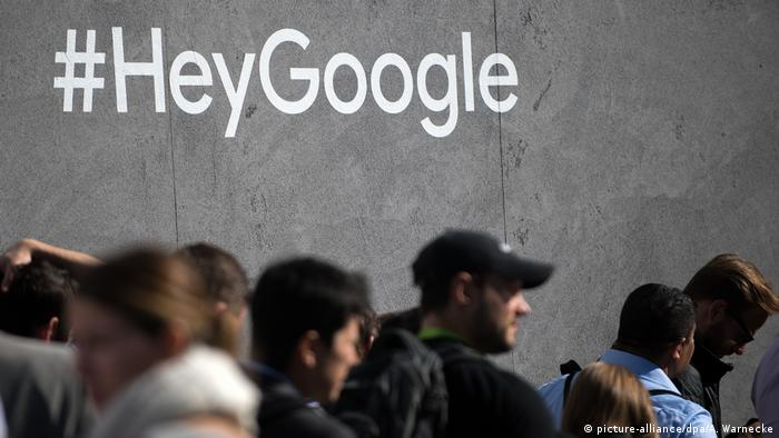 USA Las Vegas - Consume Electronics Show CES #HeyGoogle (picture-alliance/dpa/A. Warnecke)