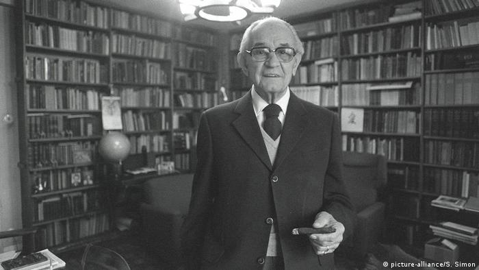 Martin Niemoeller - Theologe, Prediger, Autor (picture-alliance/S. Simon)
