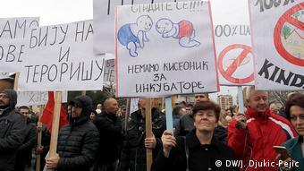 Serben Protest Zoll Kosovo (DW/J. Djukic-Pejic)