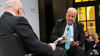 DW Conflict Zone Interview mit Saeb Erekat in Berlin