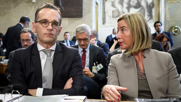 Warben in Genf für Friedensverhandlungen: Die EU-Außenbeauftragte Federica Mogherini und Bundesaußenminister Heiko Maas (Foto: Getty Images/AFP/F. Coffrini)