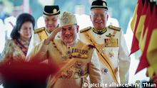 Malaysia - Der malaysische König und Sultan von Kelantan Muhammad V heiratet.