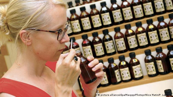 Frankreich Parfum de Grasse (picture-alliance/dpa/Maxppp/Photopr/Nice Matin/P. Lapoirie)